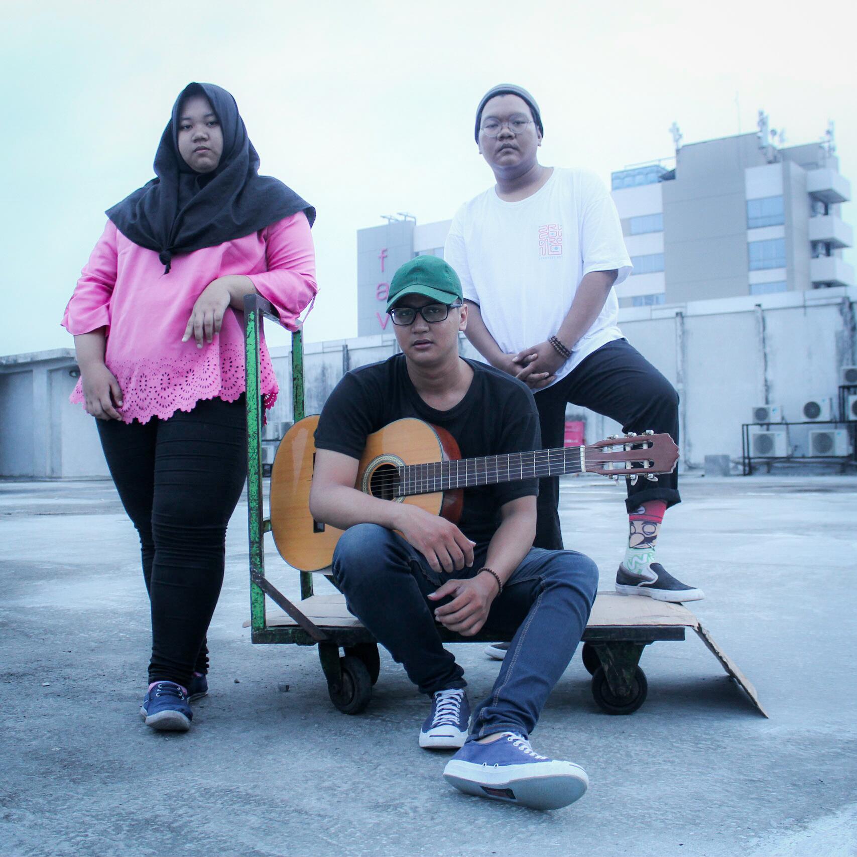 Berawal Dari Iseng, Anak Muda Cirebon Luncurkan Single Eksposisi Banda