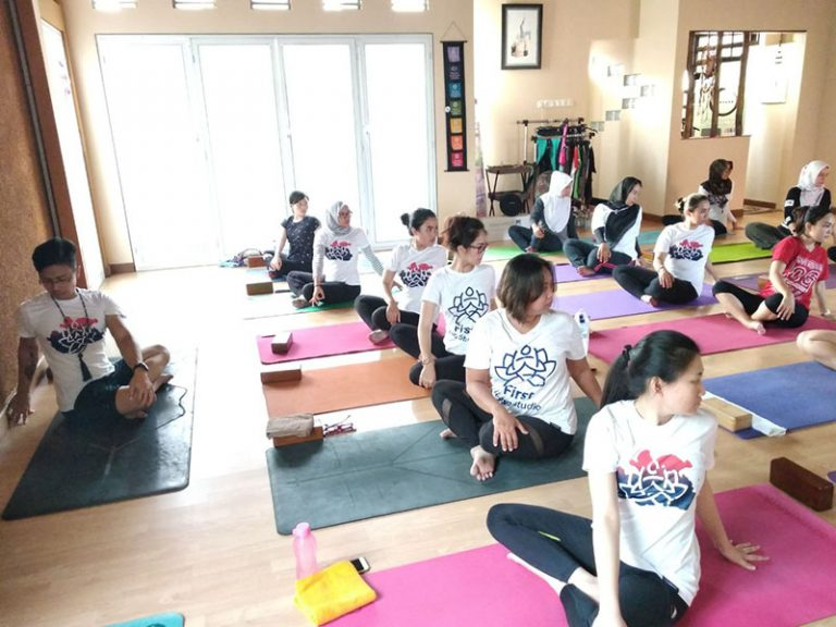 First Yoga Studio Rayakan Ulang Tahun Ke-3