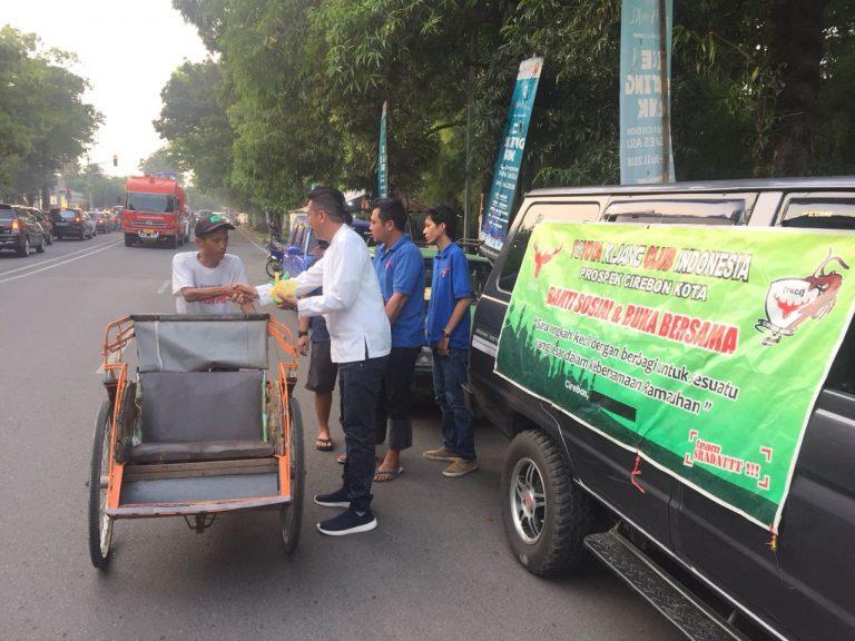 TKCI Prospek Cirebon Kota Bagikan 300 Takjil Gratis