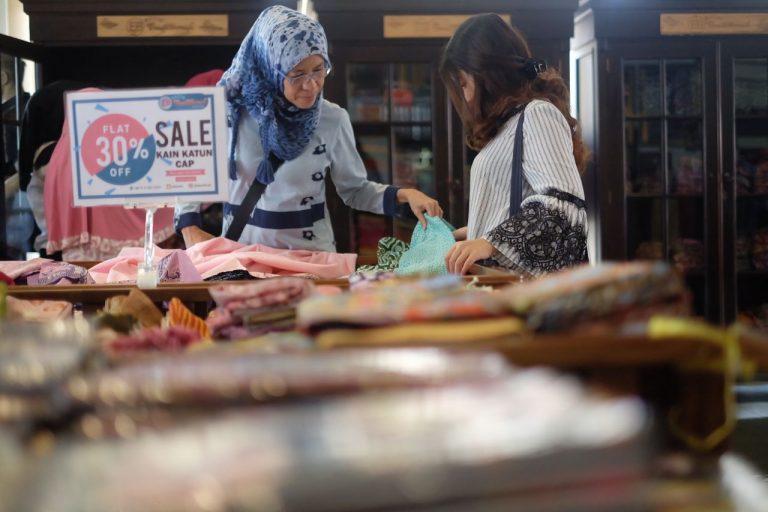 Libur Lebaran Seru dan Belanja Lengkap di EB Batik Traditional