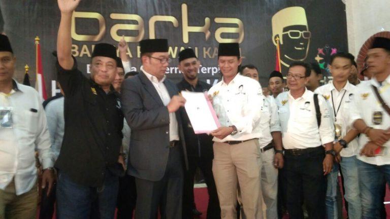 Gubernur Jabar Terpilih Ridwan Kamil Temui Ribuan Relawan di Cirebon