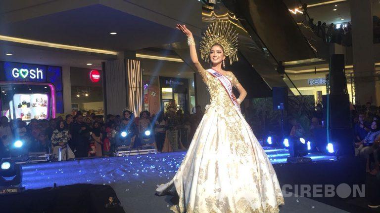 Juara Best National Costum Miss Asia Pasific 2017 Meriahkan Pameran ArQ's Corner 2018