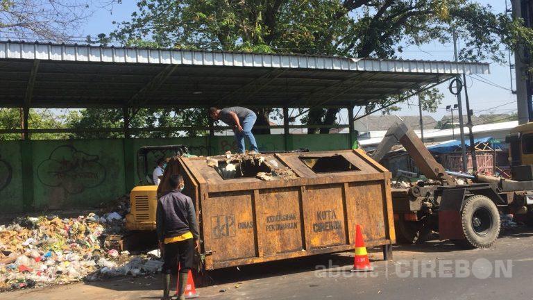 Ini Penjelasan Kadis Lingkungan Hidup Kota Cirebon Terkait Penumpukan Sampah