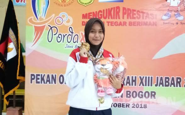 Naura Amalia Atlet Menembak Asal SMAN 4 Cirebon Raih 2 Medali Emas