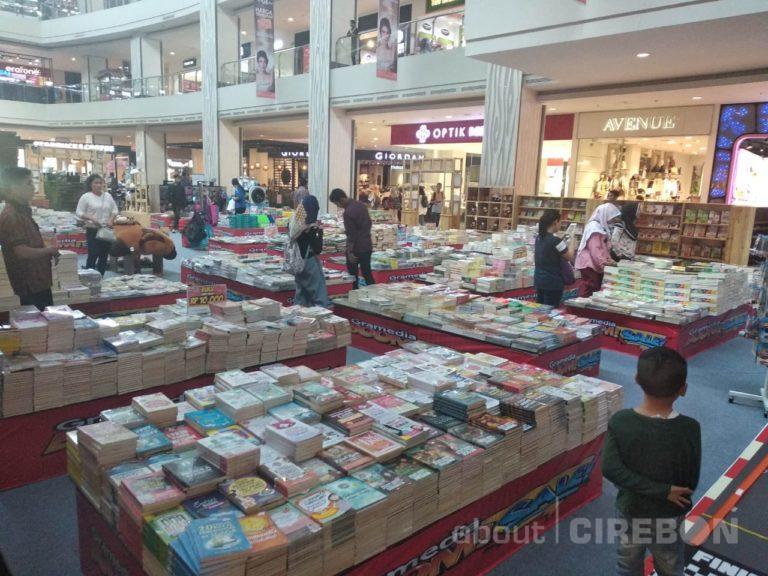 Boom Sale Gramedia Cipto Hadir di Atrium CSB Mall
