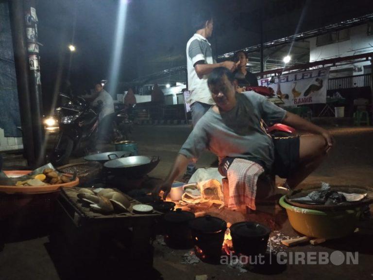 Jajanan Tradisional Tetap Eksis di Cirebon