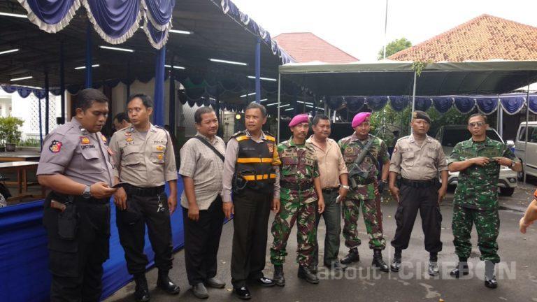 Tim Gabungan TNI – Polri Lakukan Sterilisasi Gereja Jelang Ibadah Natal