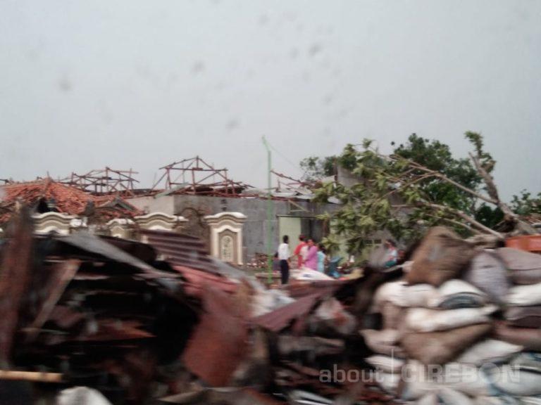 Ratusan Rumah Rusak dan Satu Orang Meninggal Akibat Puting Beliung di Panguragan