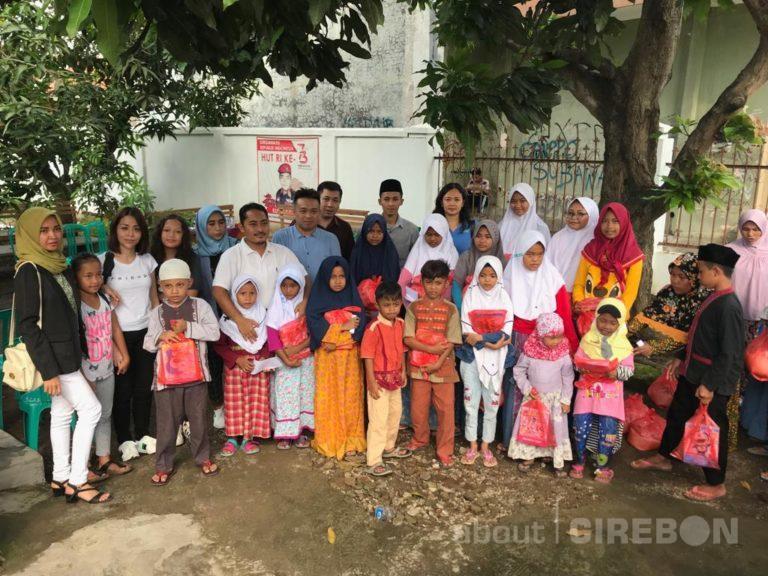 Di Penghujung Tahun, Manulife Cirebon Berbagi dengan Anak-anak Yatim