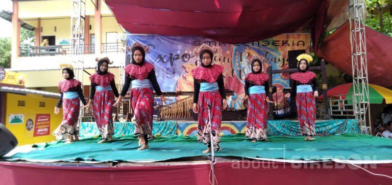 SMK Cendekia Cirebon Gelar Expo Seni Budaya dan Kewirausahaan