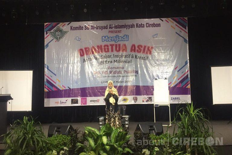 Komite SD Al-Irsyad Cirebon Gelar Parenting Seminar di Era Milenial