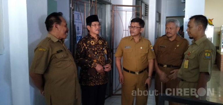 Sekda Kota Cirebon Tinjau Pelaksanaan UNBK Hari Pertama