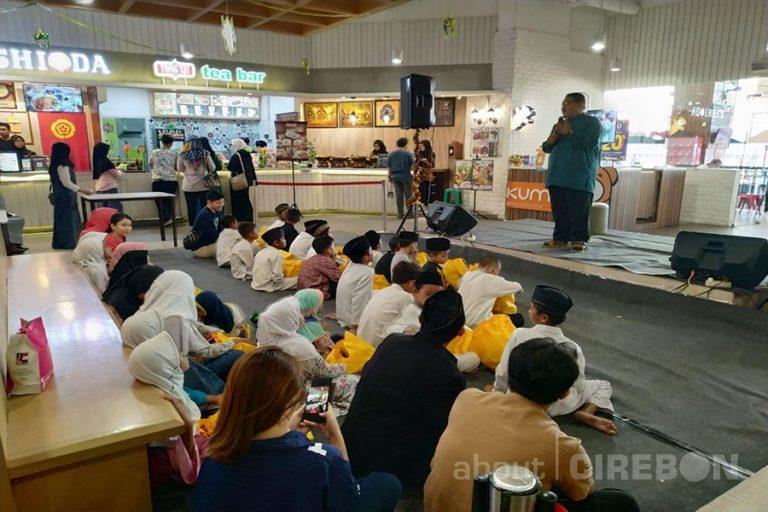 Foodalicious CSB Mall Berbagi Bersama Anak Yatim