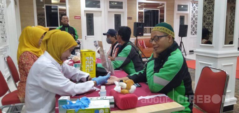 Grab Gandeng Pramita Cirebon Fasilitasi Mitra Driver Cek Kesehatan Gratis