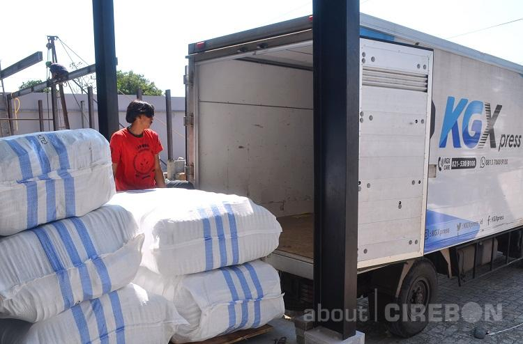 Produksi Flipflop Cirebon Tembus Wilayah Labuan Bajo