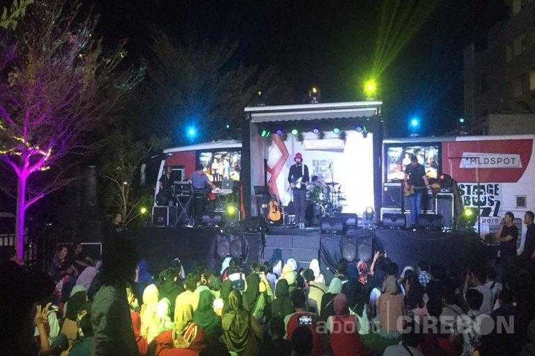 MLD Spot Stage Bus Jazz 2019 Kembali Sapa Pencinta Jazz di Cirebon