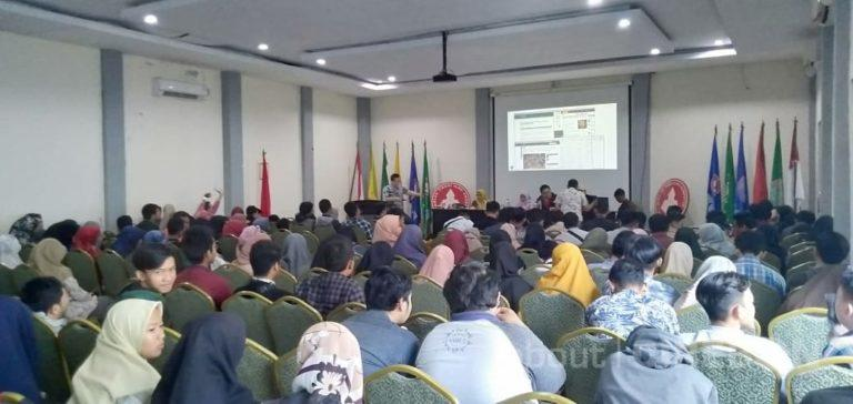 Seminar Nasional Cirebon Techopreunership Goes To Campus Se-Wilayah III Cirebon Perdana di STIKOM Poltek Cirebon