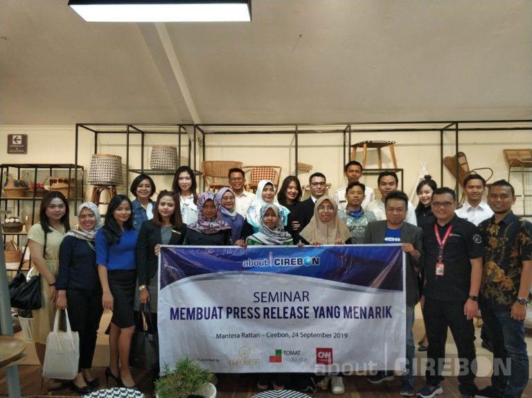 About Cirebon Gelar Seminar dengan Pembicara dari CNN Indonesia
