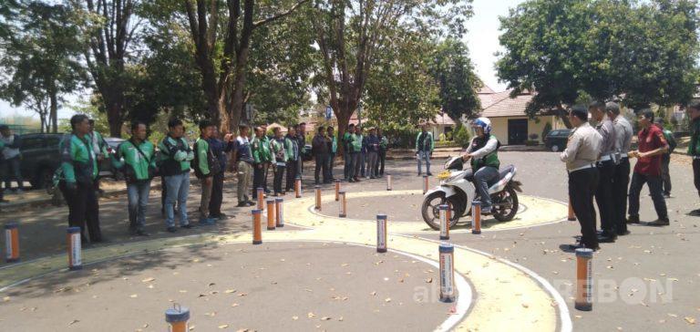 Satlantas Polres Cirebon Kota Gelar Safety Riding Bareng Komunitas Ojek Online