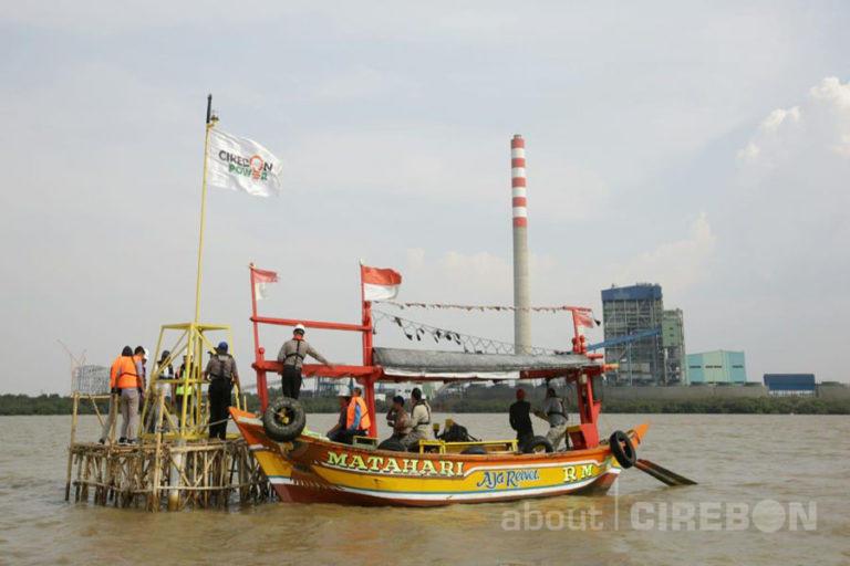 Bantu Navigasi Nelayan, Cirebon Power Fasilitasi Dua Lampu Suar