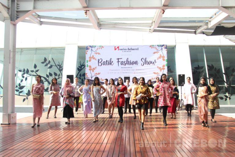 Peringati Hari Batik Nasional, Staff Swiss-Belhotel Cirebon Gelar Fashion Show Batik