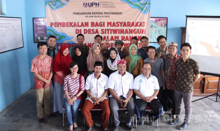 Mahasiswa UPH Berikan Pelatihan di Desa Wisata Gerabah Sitiwinangun