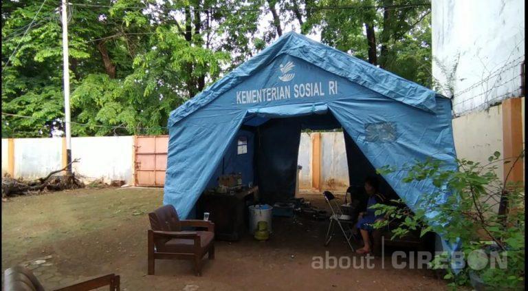 DSPPPA Kota Cirebon Dirikan Dapur Umum Untuk Korban Banjir