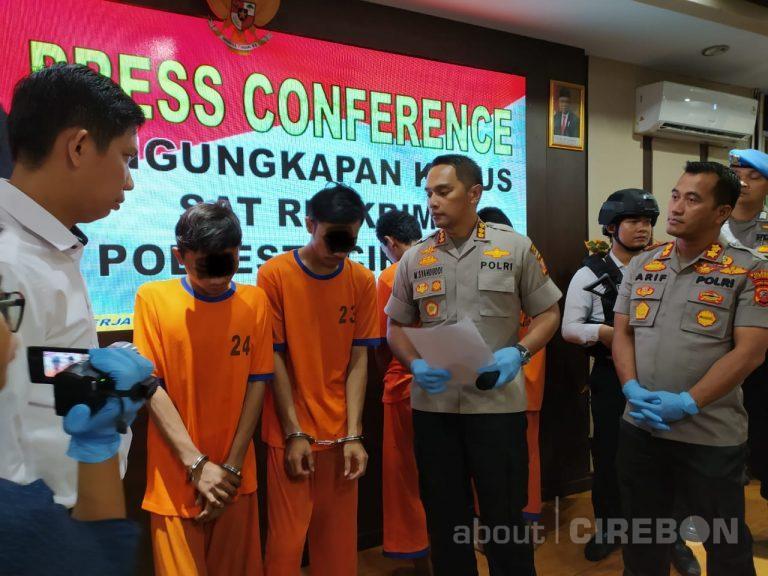 Satreskrim Polresta Cirebon Tangkap Dua Pelaku Pencurian Spesialis Handphone Dengan Kekerasan