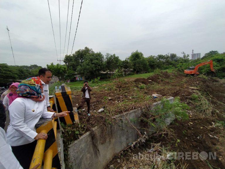 Agar Banjir Tidak Terulang, Pemerintah Daerah Kota Cirebon Lakukan Normalisasi Sungai Cikalong