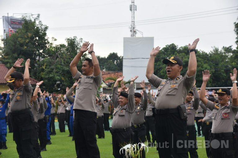 Jaga Kebugaran dan Kesehatan, Polresta Cirebon Gelorakan Senam AW S3