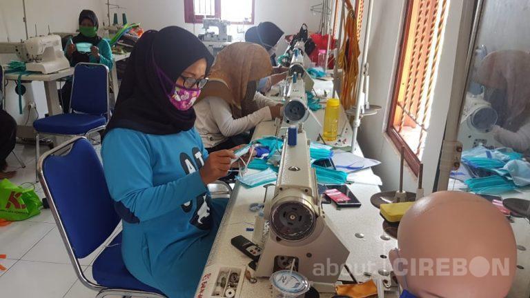 Penuhi Kebutuhan Masyarakat, UKM Cirebon Power Produksi Masker