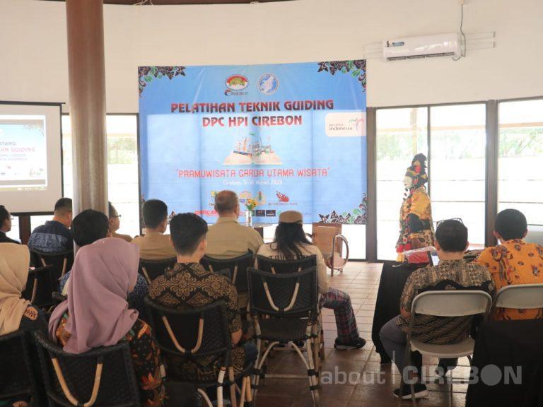 35 Orang Ikuti Kegiatan Pelatihan Teknik Guiding Pariwisata Cirebon