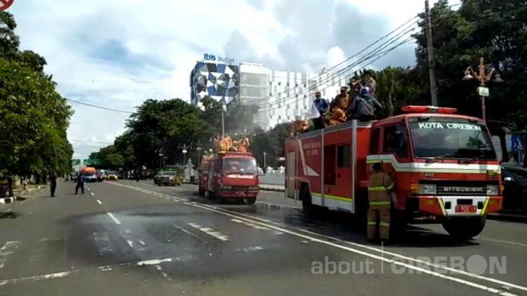 Pemerintah Daerah Kota Cirebon Lakukan Penyemprotan Disinfektan di Ruas Jalan Kota Cirebon