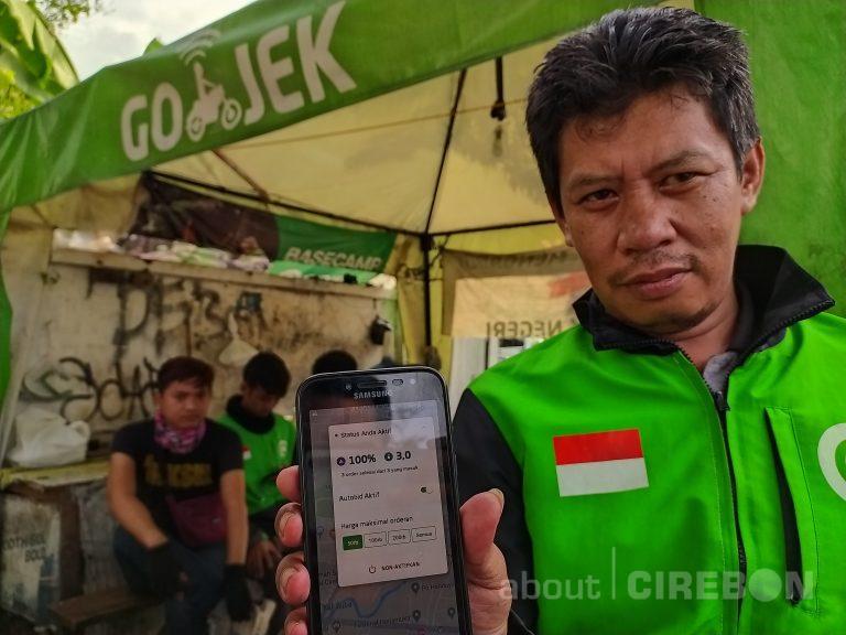 Dampak Covid-19, Driver Ojek Online di Kota Cirebon Sepi Orderan