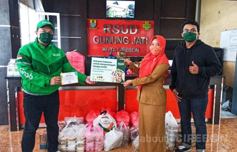 Apresiasi dan Dukung Garda Terdepan, Grab Bagikan Paket Makanan Untuk Petugas Medis di Cirebon