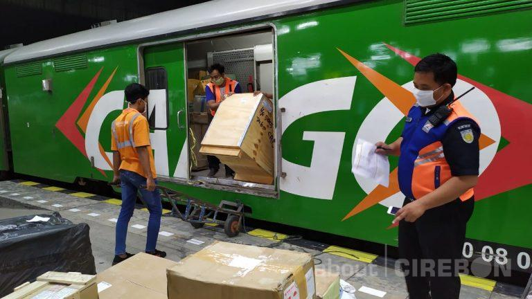 PT KAI Siap Angkut Bahan Pangan Melalui Rail Express