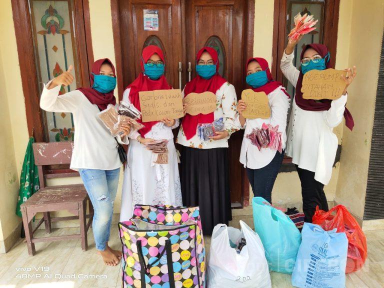 Cegah Covid-19, Pemuda Desa Kapetakan Cirebon Bagikan 1.130 Masker Gratis