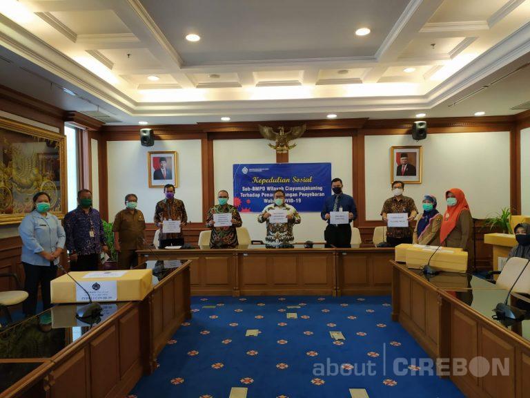 BI Cirebon dan BMPD Ciayumajakuning Serahkan Bantuan APD untuk Tenaga Medis
