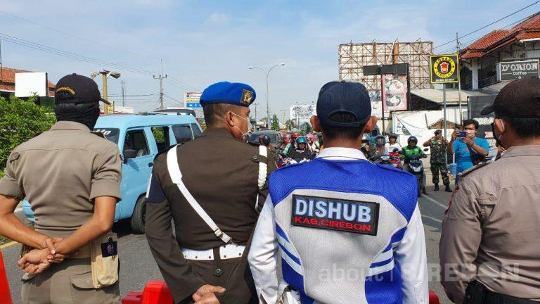 Petugas Gabungan Lakukan Simulasi Penyekatan di Perbatasan Kota Cirebon
