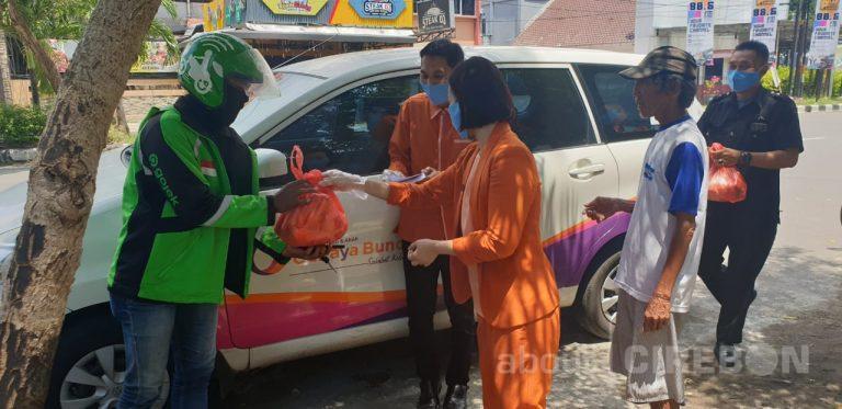 RSIA Cahaya Bunda Kota Cirebon Distribusikan Sembako Untuk Pekerja Harian dan APD Bagi Nakes