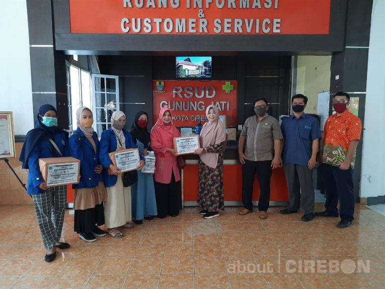 Stikes Muhammadiyah Cirebon Donasikan Hand Sanitizer, APD dan Sembako