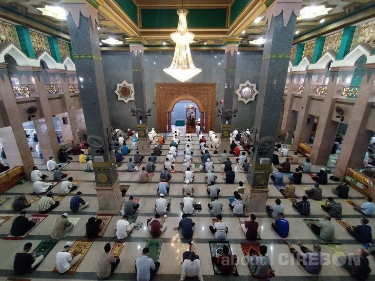 Masjid Raya At-Taqwa Kembali Selenggarakan Salat Jumat