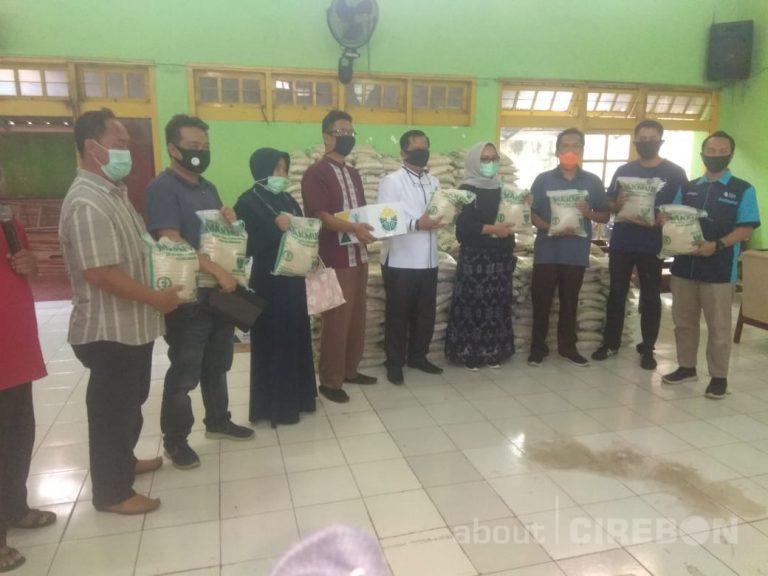 Baznas Kota Cirebon Salurkan Zakat Fitrah Untuk 1.000 Warga