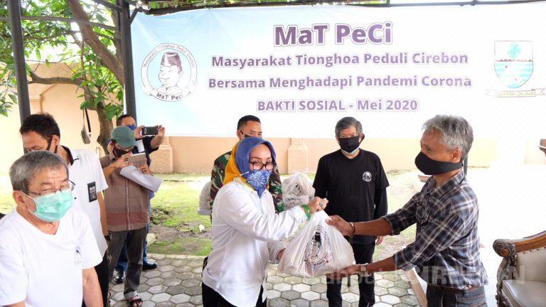 Mat Peci Salurkan Ribuan Paket Sembako Untuk Warga Kota Cirebon