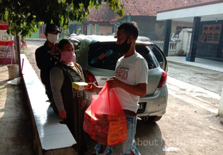 Setiap Pekan, PT Soca Samudera Nusantara Rutin Berbagi Nasi dan Masker