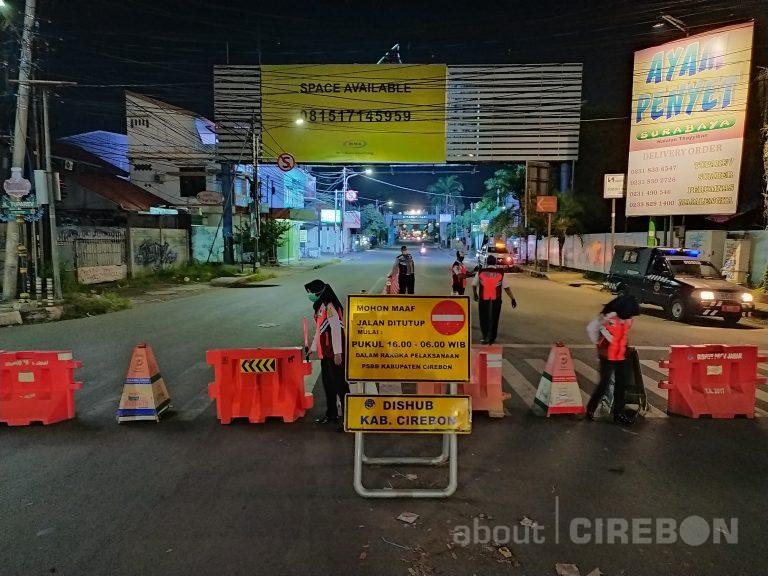 Penutupan Jalan Tuparev Untuk Kurangi Kerumunan Warga Pada Malam Hari