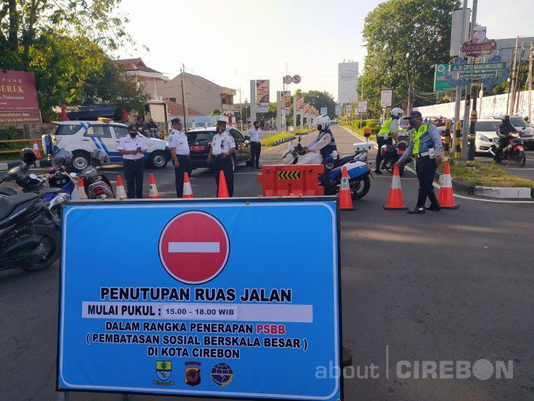 PSBB Belum Efektif, Pemda Kota Cirebon Tutup Dua Ruas Jalan