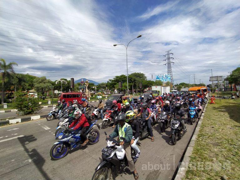 H-3 Lebaran Idulfitri Kendaraan Roda Dua Padati Jalur Pantura Cirebon