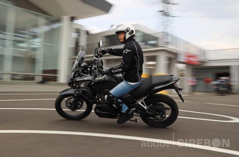 Pentingnya Menggunakan Kaca Spion Pada Sepeda Motor
