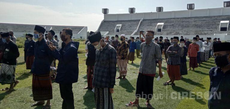 Ratusan Santri di Kabupaten Cirebon Lakukan Tes Swab